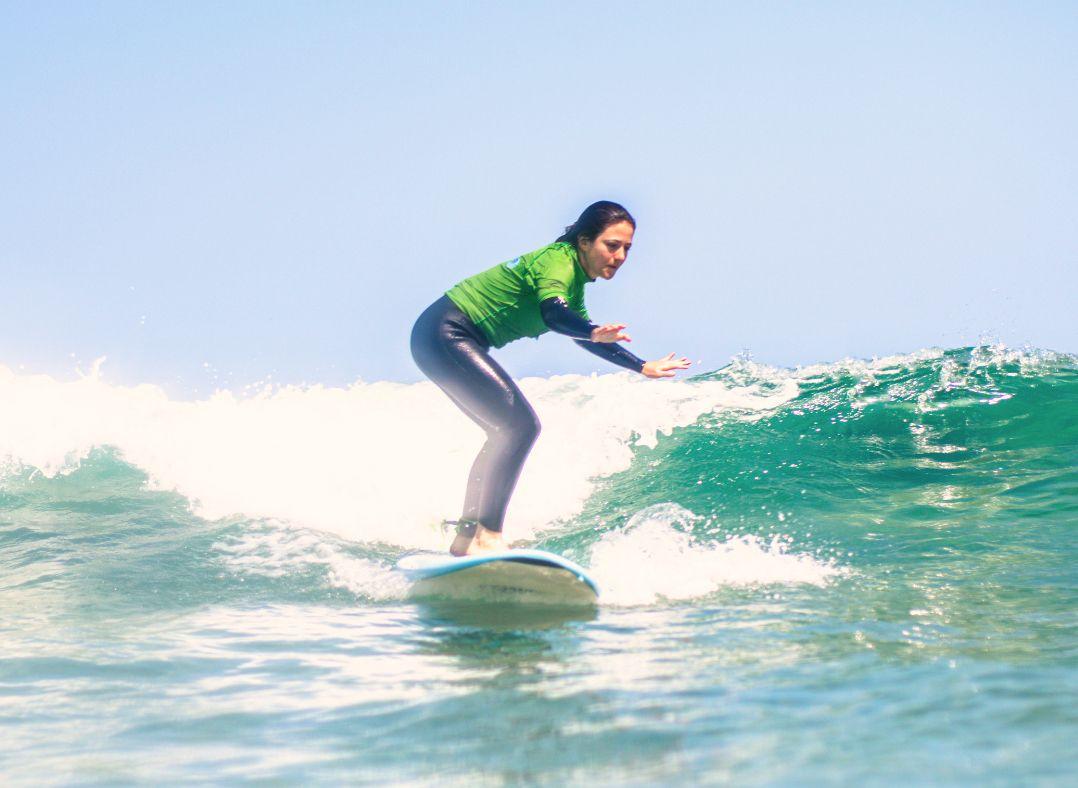 Clases de surf para adultos en San Vicente de la Barquera (Cantabria)