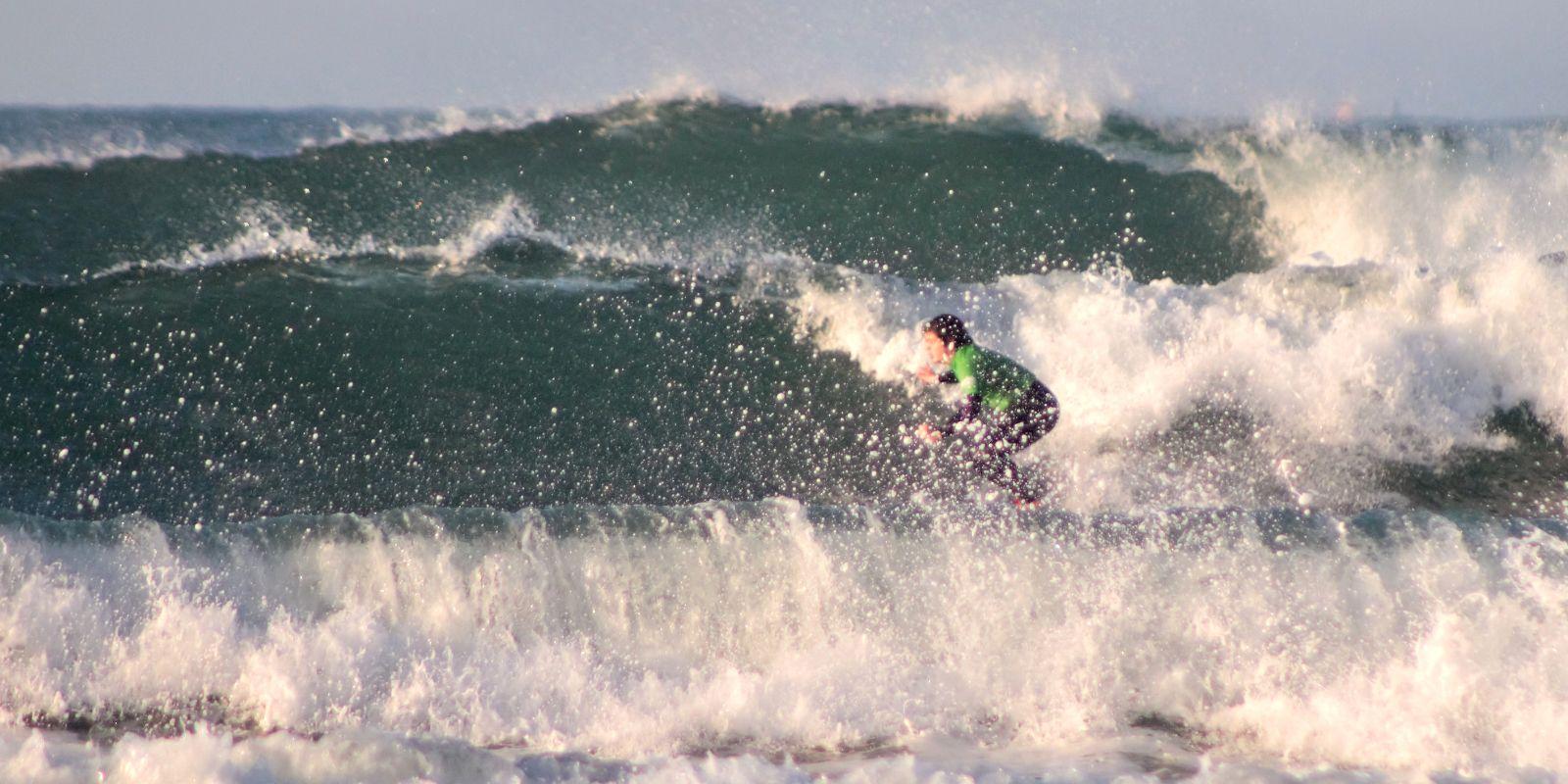 Alumno clase surf perfeccionamiento