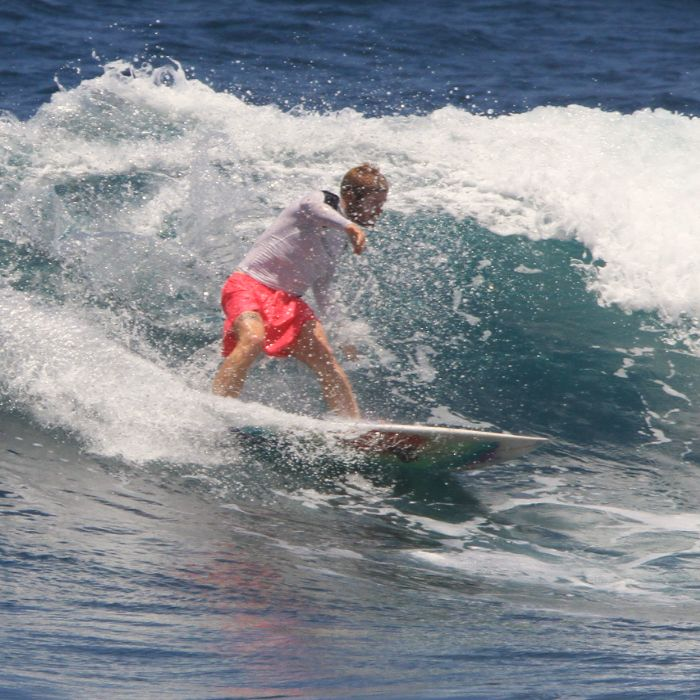 Monitor de surf en San Vicente de la Barquera – Julen Etxeberría