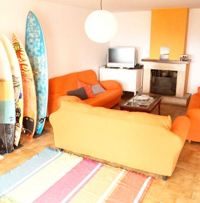 Interior salón del Surfhouse