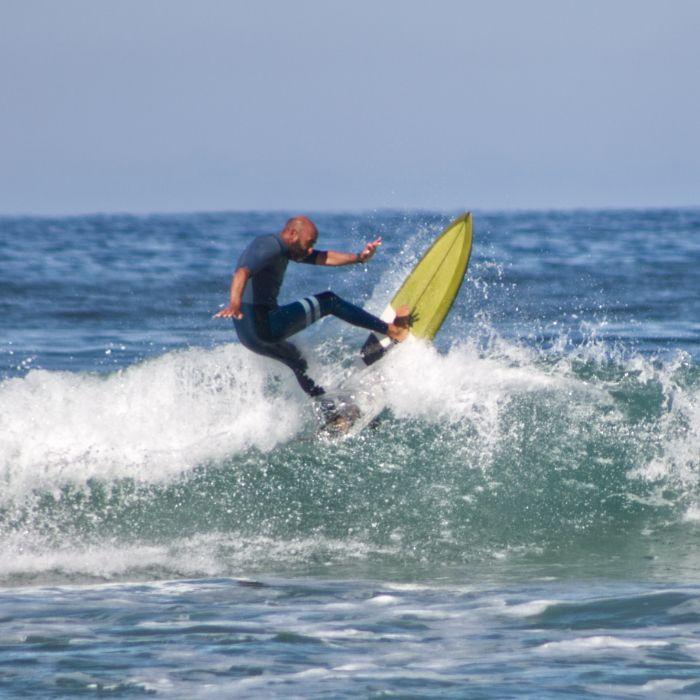 Juan Jonnhy profesor de surf