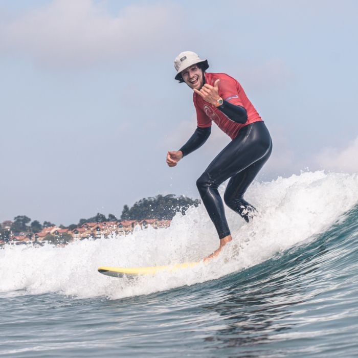 Manuel Caso profesor de surf