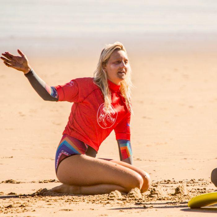 Nette Clement profesora de surf en Buena Onda